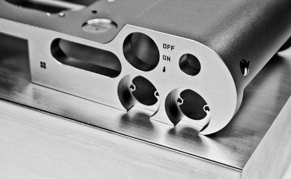 Leica-T-type-701-mirrorless-camera-3